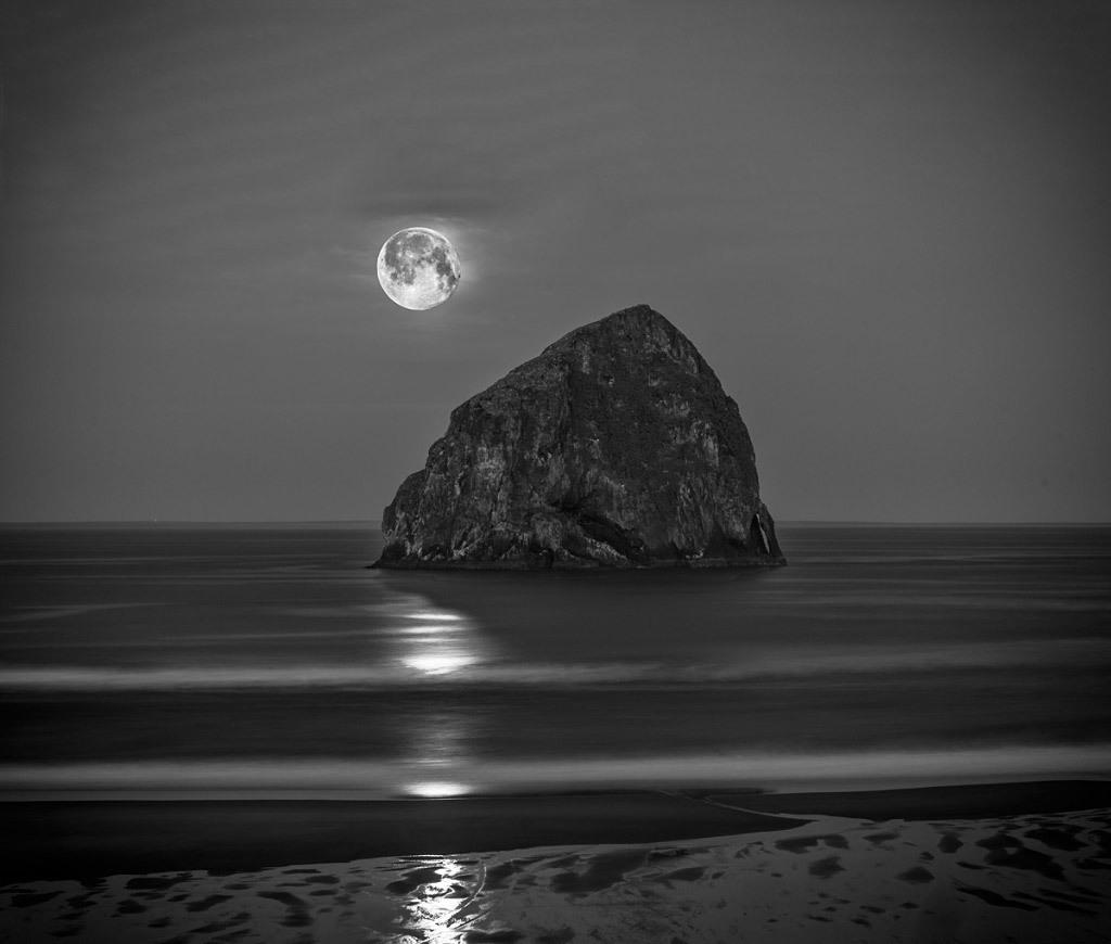 Bruce Clark, Moon Over Oregon Coast, digital photo